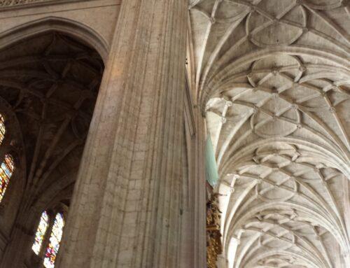 – Visitas nocturnas a la Catedral de Segovia.