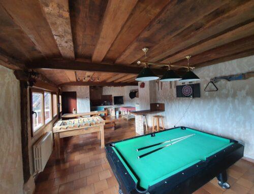 – Sala de juegos. Casa rural La Fuente del Poval.